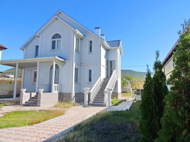 Продаю дом с гостевым бизнесом у МОРЯ  Новороссийск